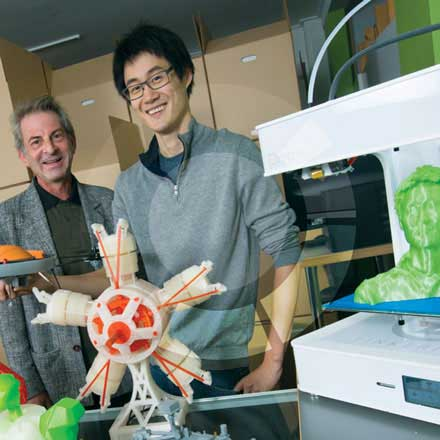 From left to right: Jerome Kashetsky, NRC IRAP ITA and Eugene Suyu, CEO of Tinkerine Studios.